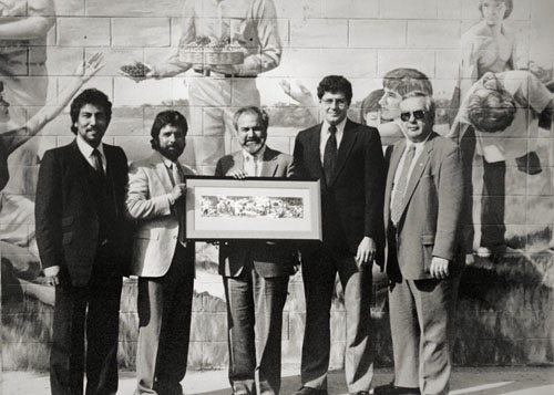 1985 dedication of Hunger mural. Click for large image.